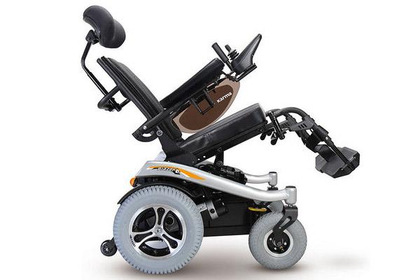 康扬KP31T<a href=http://www.lunyi8.cn target=_blank class=infotextkey>电动轮椅</a>